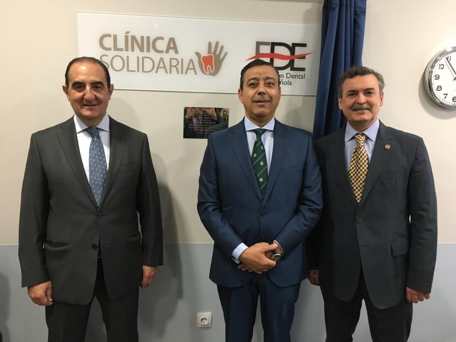 El Presidente del Consejo General de Dentistas inaugura la ampliación de la Clínica Solidaria del Colegio de Odontólogos y Estomatólogos de León